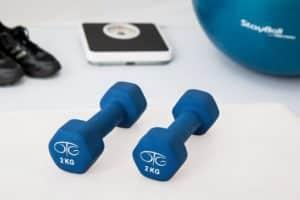 Mange lurer på hvilke øvelser man bør ha i et treningsprogram for nybegynnere