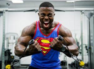 Et bra treningsprogram er viktig for økt muskelmasse og styrke